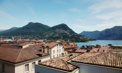 Zdjęcie SZWAJCARIA / Lugano / Stare Miasto / Ponad dachami