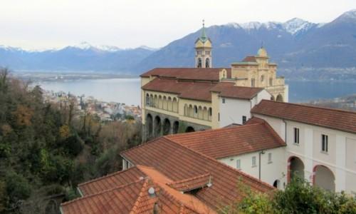 Zdjecie SZWAJCARIA / Ticino / Locarno /  Chiesa Madonna del Sasso...