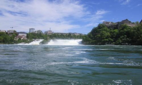 Zdjecie SZWAJCARIA / Schaffhausen / Neuhausen am Rheinfall / Wodospad Rheinfall na przełomie Renu