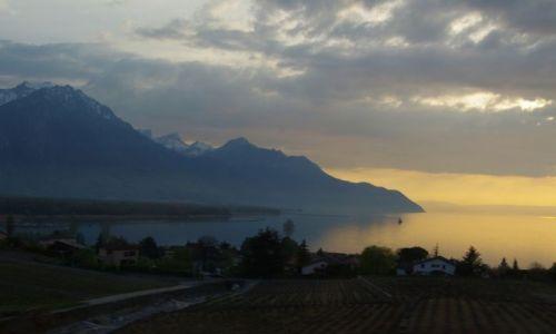 Zdjecie SZWAJCARIA / - / Montreux / Wieczór w Montr