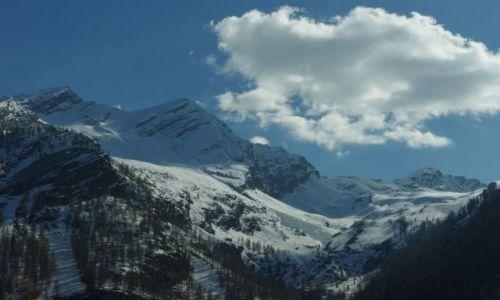 Zdjecie SZWAJCARIA / - / Szwajcaria / Gdzieś w Szwajcarii