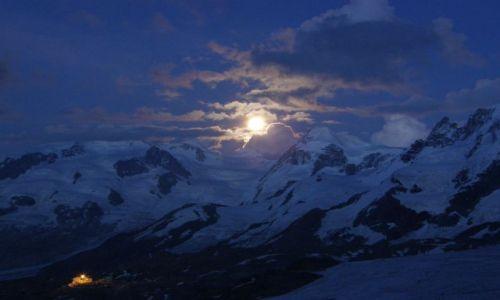 Zdjecie SZWAJCARIA / hornihute? / nocleg przed atakiem szczytowym / Monta Rossa noc