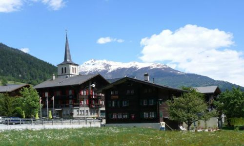 Zdjecie SZWAJCARIA / alpy / Fiesch / Wieś szwajcarska