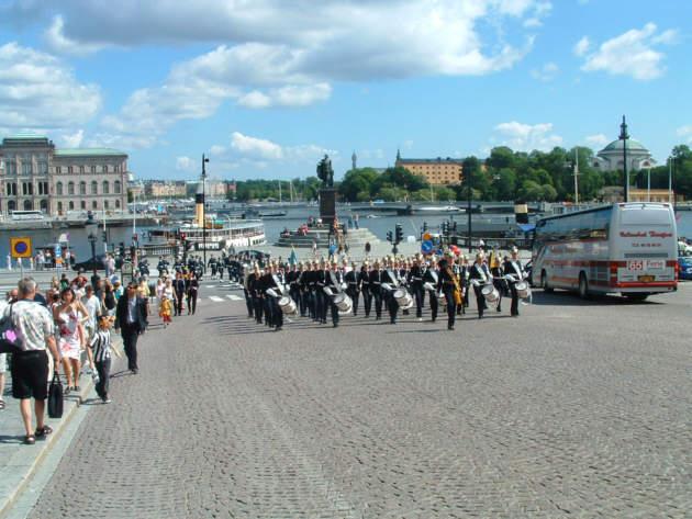 Zdjęcia: Sztokholm, Defilada przed Pałacem, SZWECJA