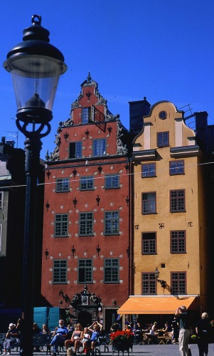 Zdjęcia: Sztokholm - Gamla Stan, kolorowe kamienice, SZWECJA