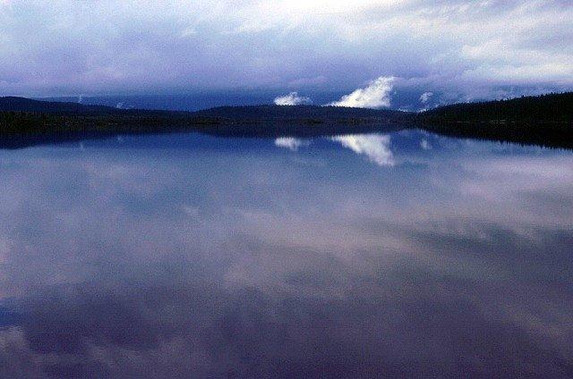 Zdjęcia: na Kungsleden przed Kvikkjokk, Lappland, czarodziejskie jeziooro, SZWECJA