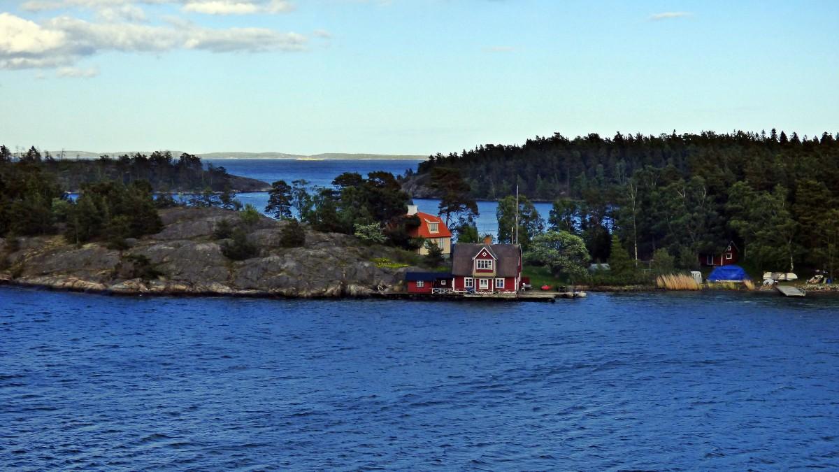 Zdjęcia: Nynashamn, Sztokholm, Domki na skale, SZWECJA