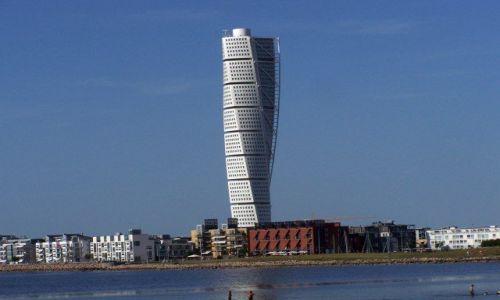 Zdjęcie SZWECJA /   / Malmo / Ciekawy wieżowiec w Malmo