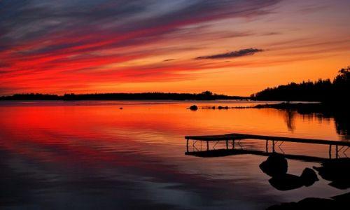 Zdjecie SZWECJA / Uppsala / Vaxjo / niesamowite barwy nad jeziorem