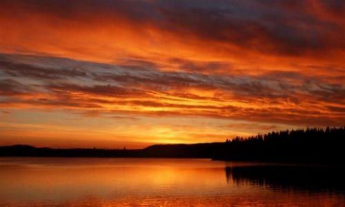 Zdjęcie SZWECJA / Vasterbotten / Okolice Lycksele-Laponia / Lapoński zachód słońca