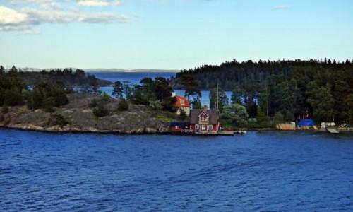 Zdjecie SZWECJA / Sztokholm / Nynashamn / Domki na skale