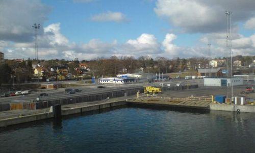 Zdjecie SZWECJA / brak / Nynashamn / Wpływamy do portu