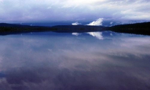 SZWECJA / Lappland / na Kungsleden przed Kvikkjokk / czarodziejskie jeziooro