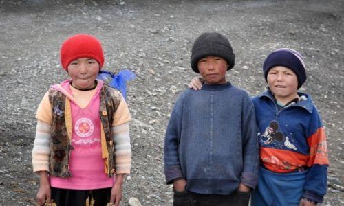 Zdjęcie TADŻYKISTAN / Markansu / - / Wielki świat małego człowieka