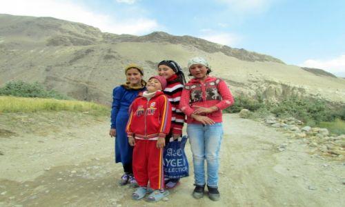 Zdjecie TAD�YKISTAN / G�rski Badachszan / Bibi Fotima / Dzieci Pamiru