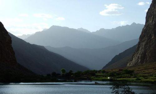 Zdjęcie TADŻYKISTAN / Pamir / Dolina Geisev / Idąc doliną