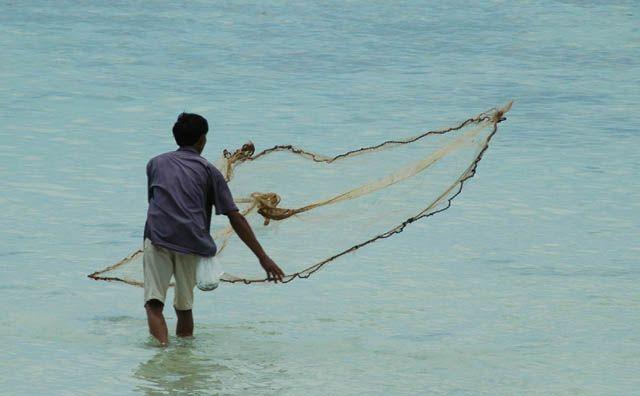 Zdjęcia: Haad Salad, Koh Phangan, rybak, TAJLANDIA