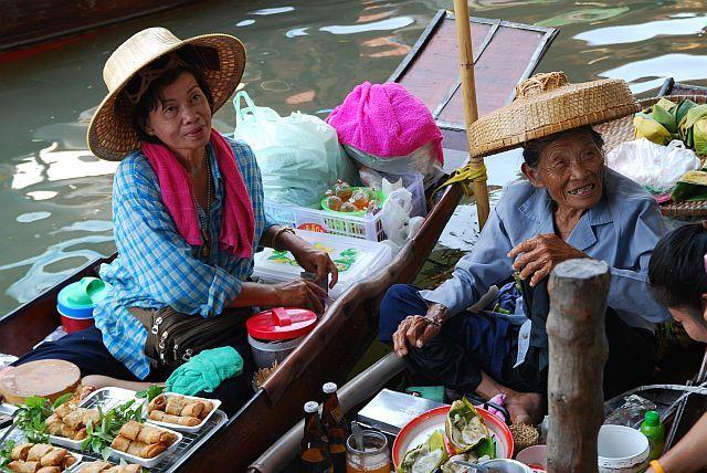 Zdjęcia: targ wodny , a może naleśniczka..., TAJLANDIA