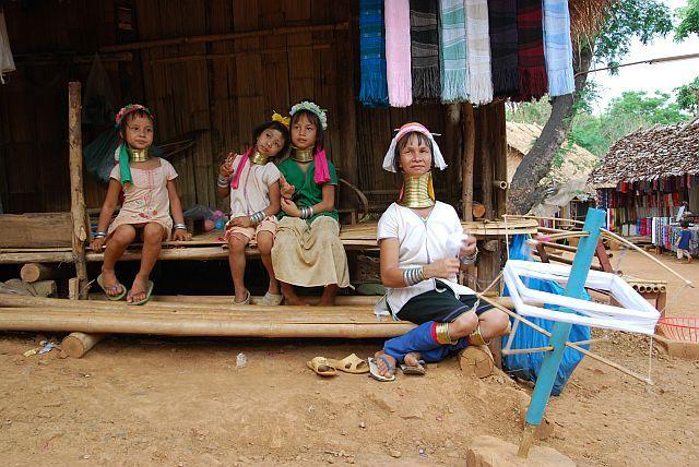 Zdjęcia: plemię Padaung , w wiosce..., TAJLANDIA