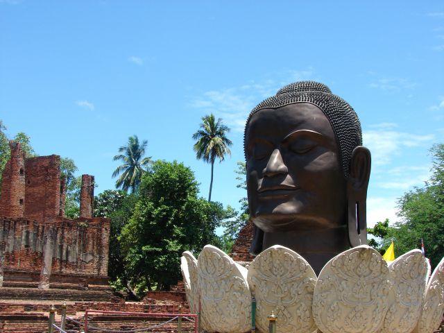 Zdjęcia: jedna ze świątyń, Ajuthaja, Swiątynia, TAJLANDIA