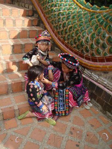 Zdjęcia: kolo chang mai, dziewczynki, TAJLANDIA