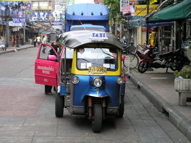 Zdjęcia: rano na Khaosan, Bangkok, tuk tuk, TAJLANDIA