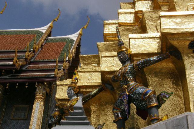 Zdjęcia: Pałac Królewski, Bangkok, strażnicy, TAJLANDIA