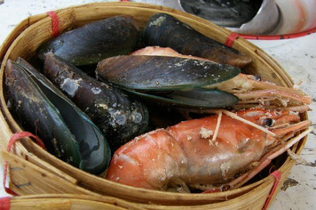 Zdj�cia: okolice Pattayi, pla�owy lunch, TAJLANDIA