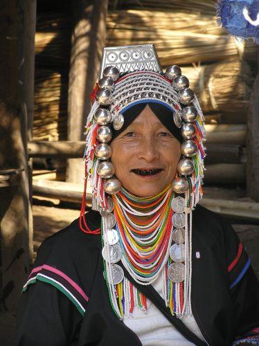 Zdjęcia: pólnocna część Tajlandii, kobieta Akha, TAJLANDIA