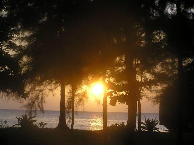 Zdjęcia: wyspa Tarutao, poł.-zach. Tajlandii, zachód słońca na Tarutao, TAJLANDIA
