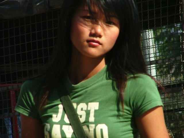 Zdjęcia: północ Tajlandii, Dziewczyna, TAJLANDIA