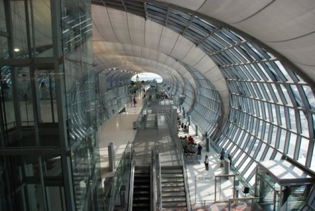 Zdj�cia: Lotnisko, Bagkok, Hala odlotow, TAJLANDIA