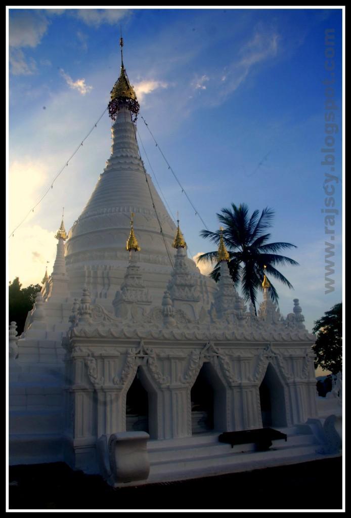 Zdjęcia: Mae Hong Son, Mae Hong Son, północno wschodnia Tajlandia, Wat Phrathat Doi Kong Mu, TAJLANDIA