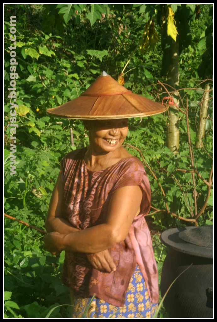 Zdjęcia: Mae Hong Son, Mae Hong Son, północno wschodnia Tajlandia, Tajka w Mae Hong Son, TAJLANDIA