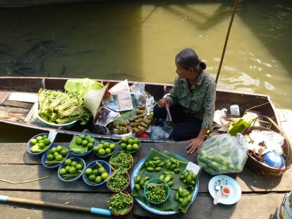 Zdjęcia: Floating market, Damnoen Saduak, czysto, świeżo i smacznie, TAJLANDIA