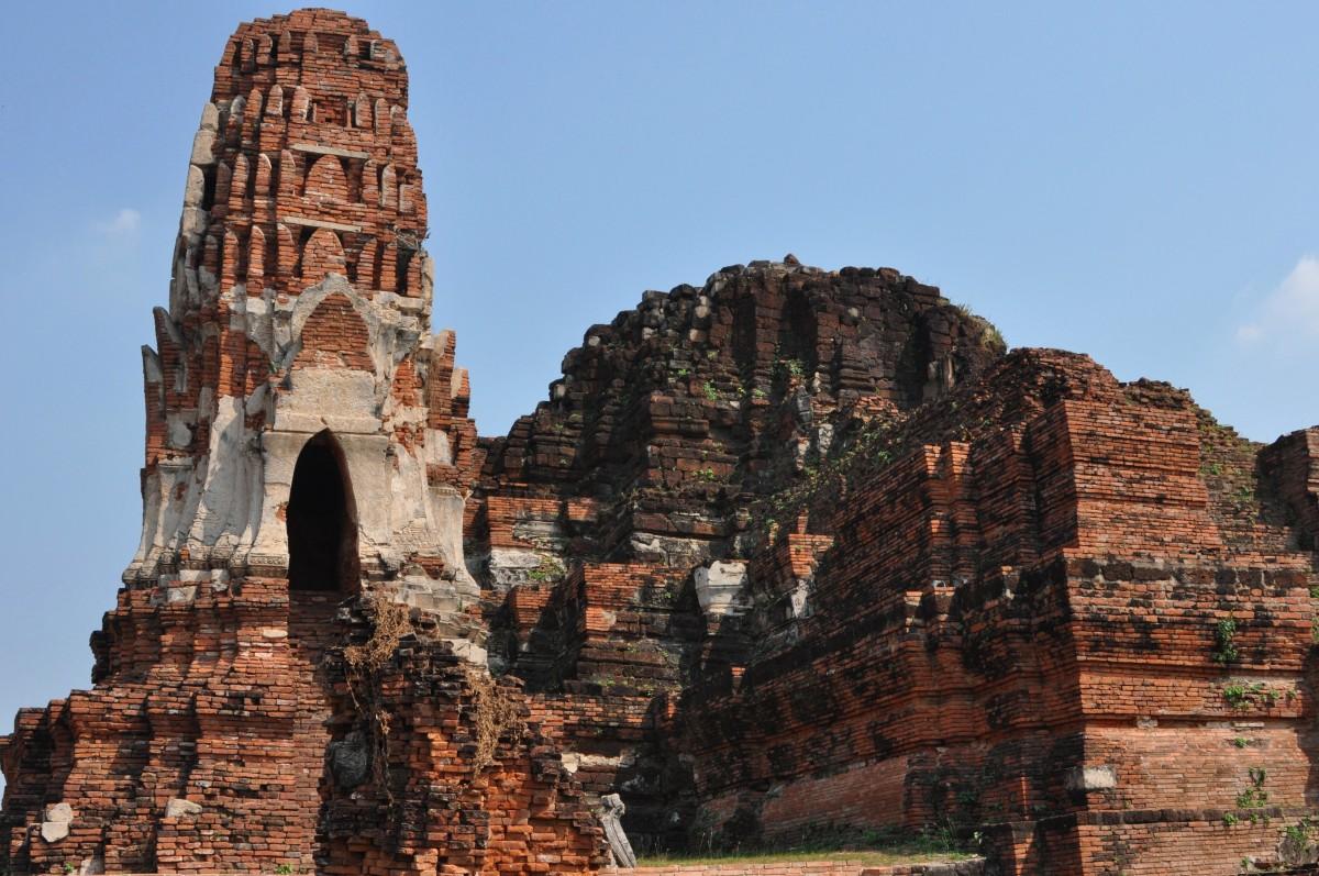 Zdjęcia: Ajuttia, Na północ od Bangkoku, Ruiny świątyni w Ajuttii, TAJLANDIA