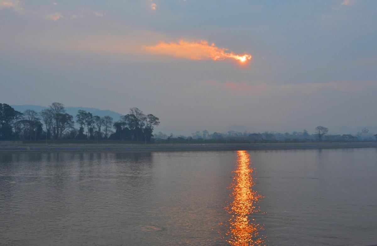 Zdjęcia: Złoty Trójkąt, północ, Pochmurny poranek nad Mekongiem, TAJLANDIA