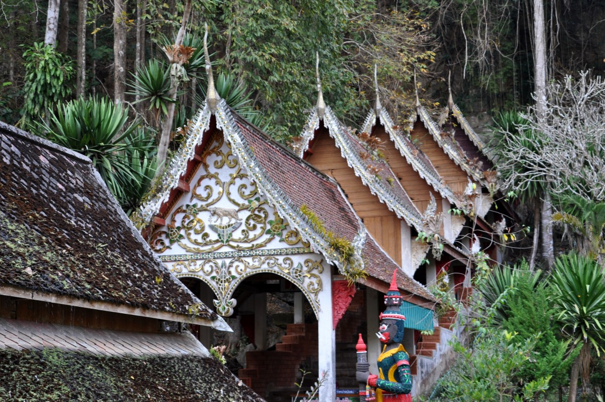 Zdjęcia:  Chiang Dao, na północ od Chiang Mai, Świątynia w pieczarach, TAJLANDIA