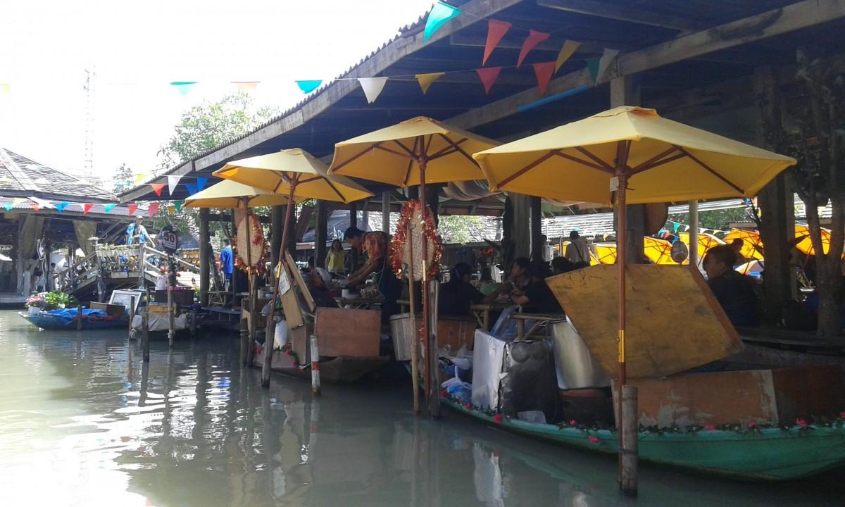 Zdjęcia: Floating market czyli pływający targ, Floating market czyli pływający targ, TAJLANDIA