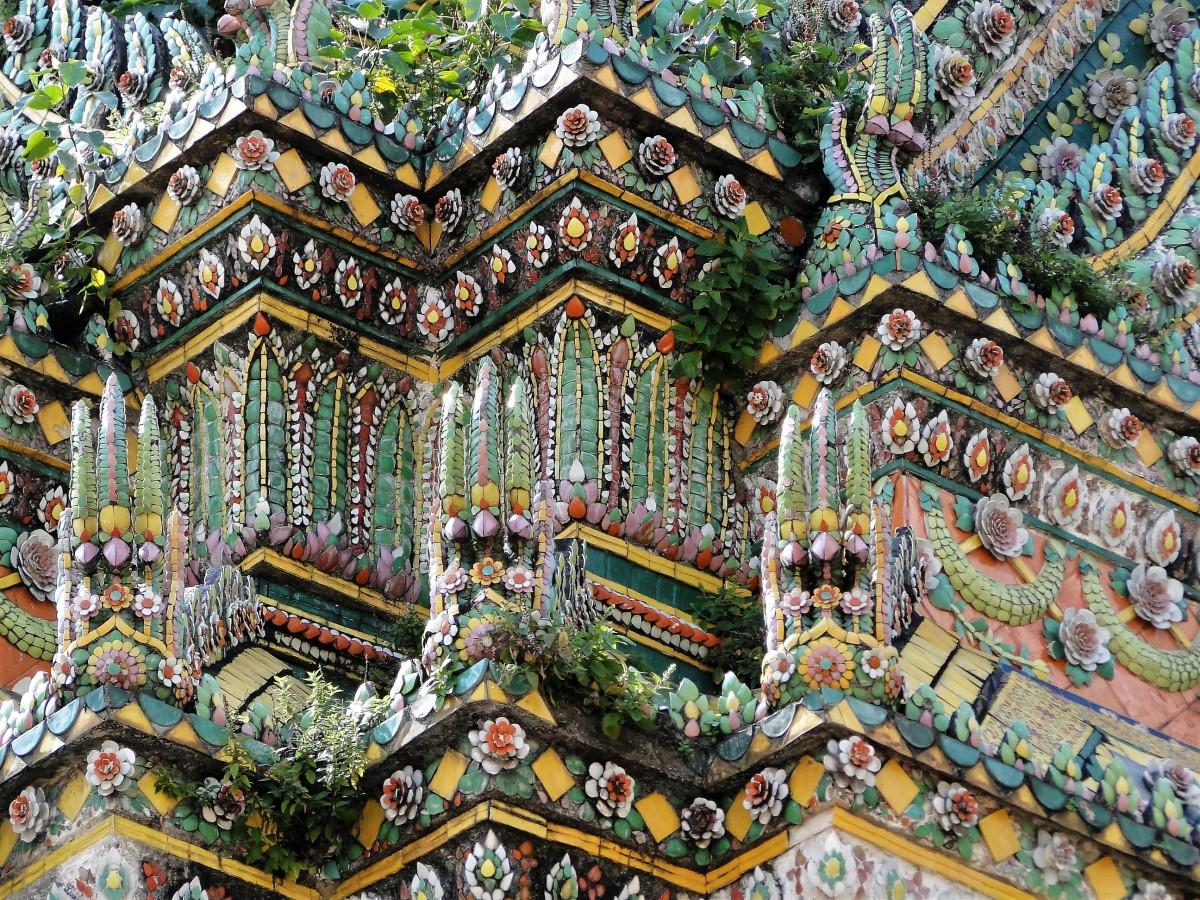 Zdjęcia: Wat Arun, Bangkok, Kwieciście, kolorowo..., TAJLANDIA