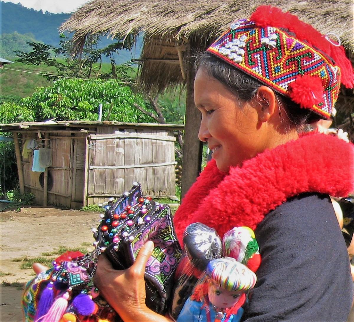 Zdjęcia: Wieś Akha, Złoty Trójkąt, Trzy pokolenia Akha: córka, TAJLANDIA