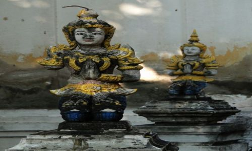 TAJLANDIA / - / Chiang Mai / Na cmentarzu