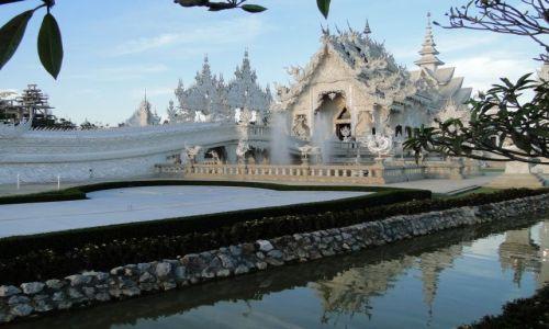 TAJLANDIA / - / Phitsanulok / Współczesna świątynia