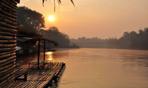 Zdjecie TAJLANDIA / Rzeka Kwai / Równiny centralane / Wschód Słońca na mostem