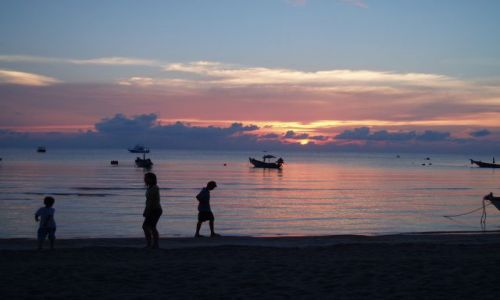 Zdjęcie TAJLANDIA / Archipelag Ko Samui / Ko Tao / Ko Tao wieczorem