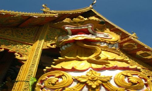 Zdjecie TAJLANDIA / Chiang Mai / Wat Cheatawan / Smoki świątynne....