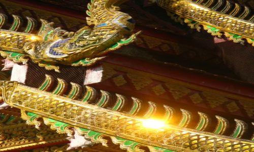 Zdjecie TAJLANDIA / Chiang Mai / Wat Cheatawan / Błysk złota...