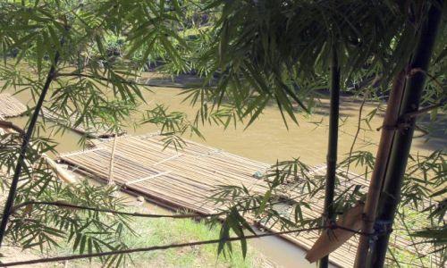 Zdjęcie TAJLANDIA / okolice Chiang Mai / rzeka :) / Tratwy i bambus...- czyli materiał i produkt...:)
