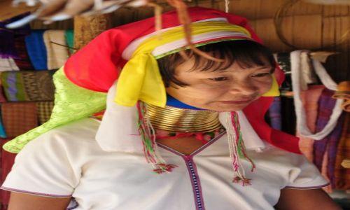 TAJLANDIA / Północna Tajlandia niedaleko granicy z Birmą / Chiang Mai / Kobieta z plemienia Padaung