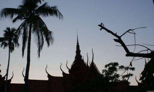 Zdjecie TAJLANDIA / Peryferie Bangkoku / Bangkok / Zachód nad świątynią